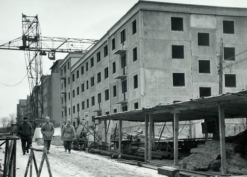 [8] 1957 - stavba prvního paneláku v Brně