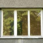 Malé trojkřídlé okno