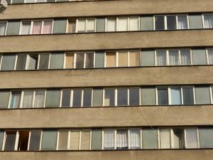 Vodorvné členění fasády a oken