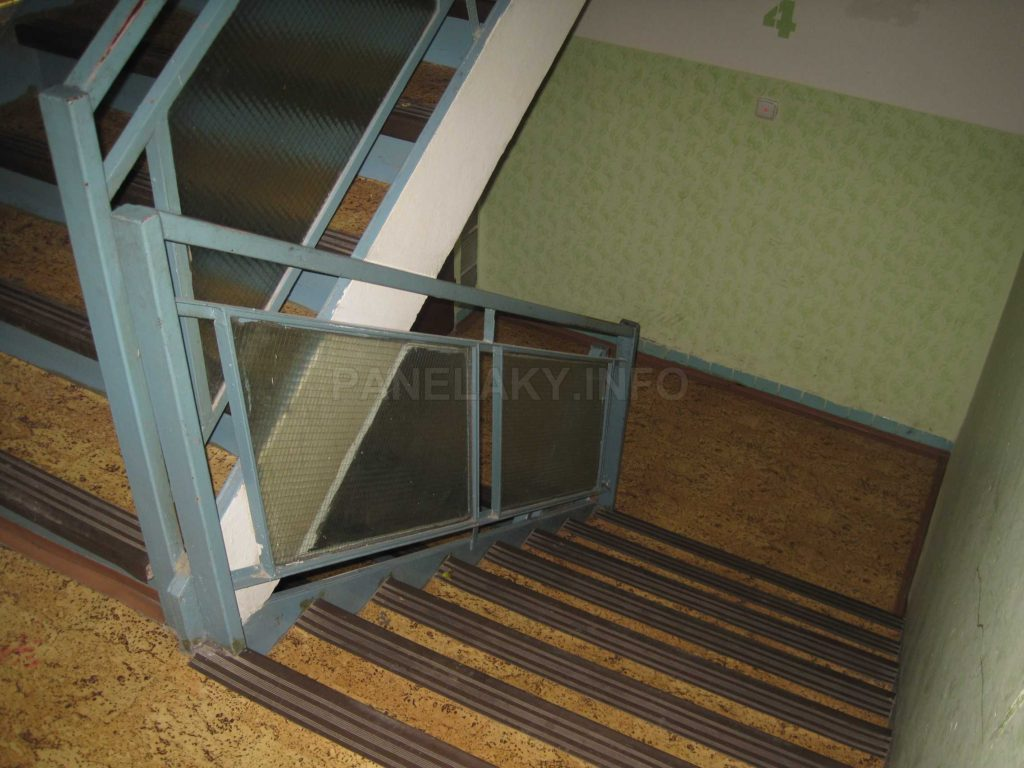 Dvojramenné schodiště