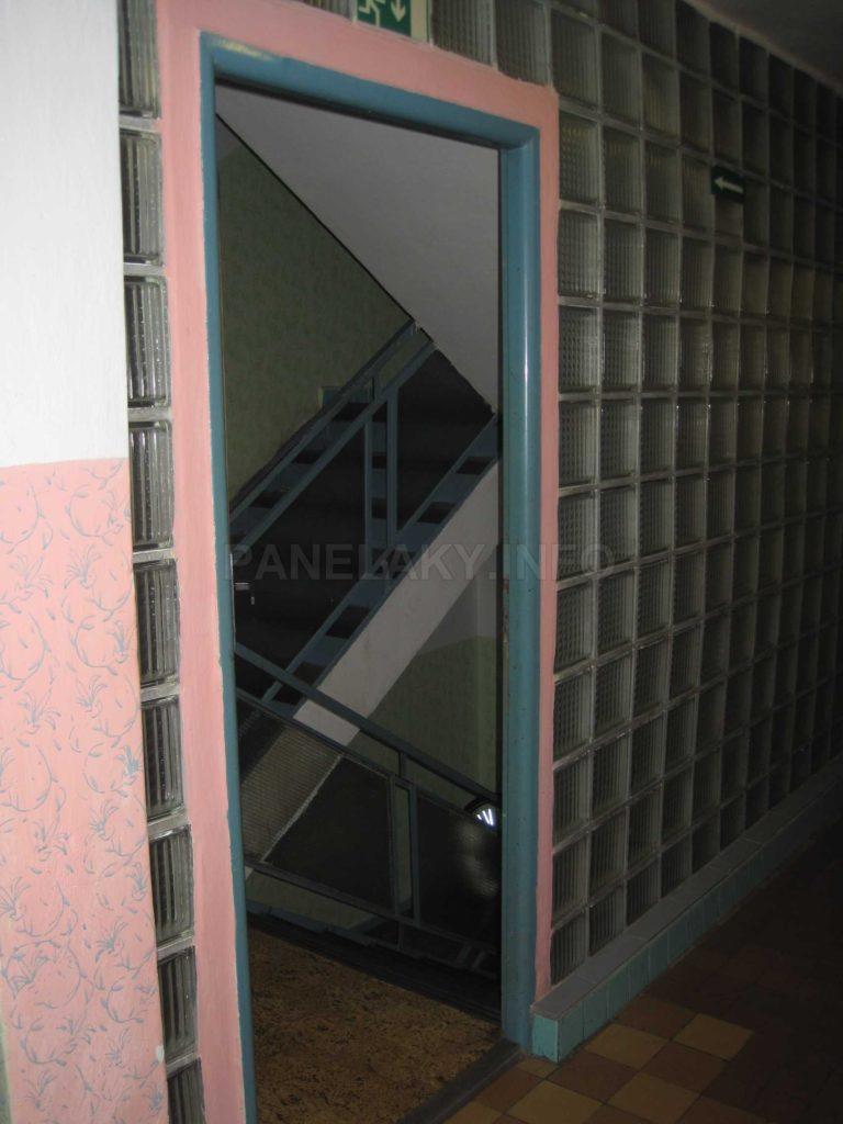 Pohled ke schodišti