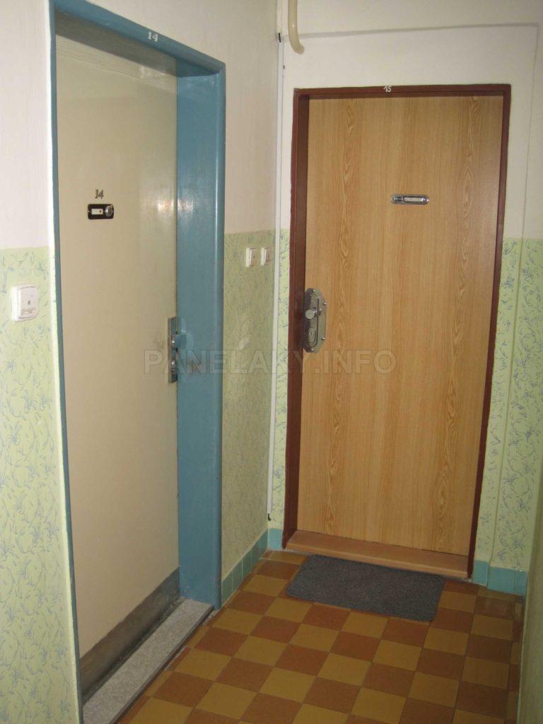Dveře do bytů