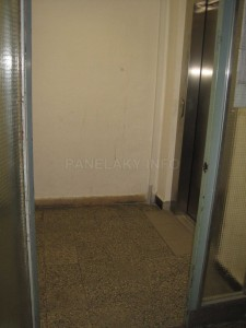 Chodbička s výtahy