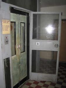 Nejstarší výtahy ve V-OS