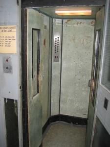 Výtah je z roku 1964