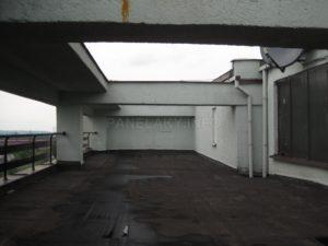 Na terase (již nepochozí)