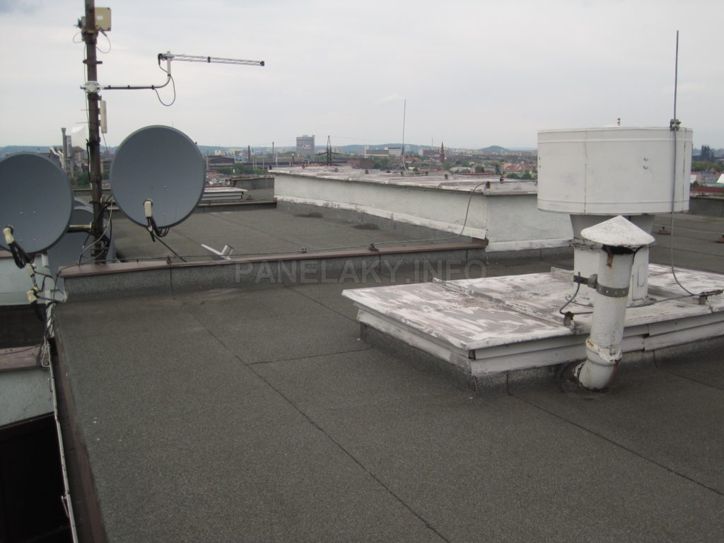 Na střeše V-OS