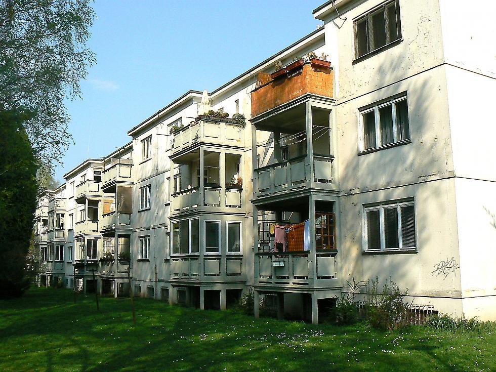 Experimentální panelový dům na sídlišti Podvesná IV ve Zlíně [1]