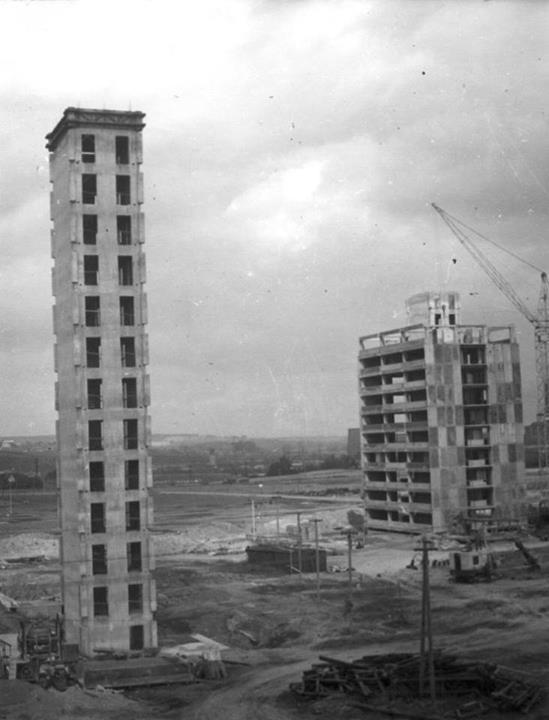 Úchvatný pohled na dostavěné tuhé monolitické jádro. Jedná se o jeden kus betonu.