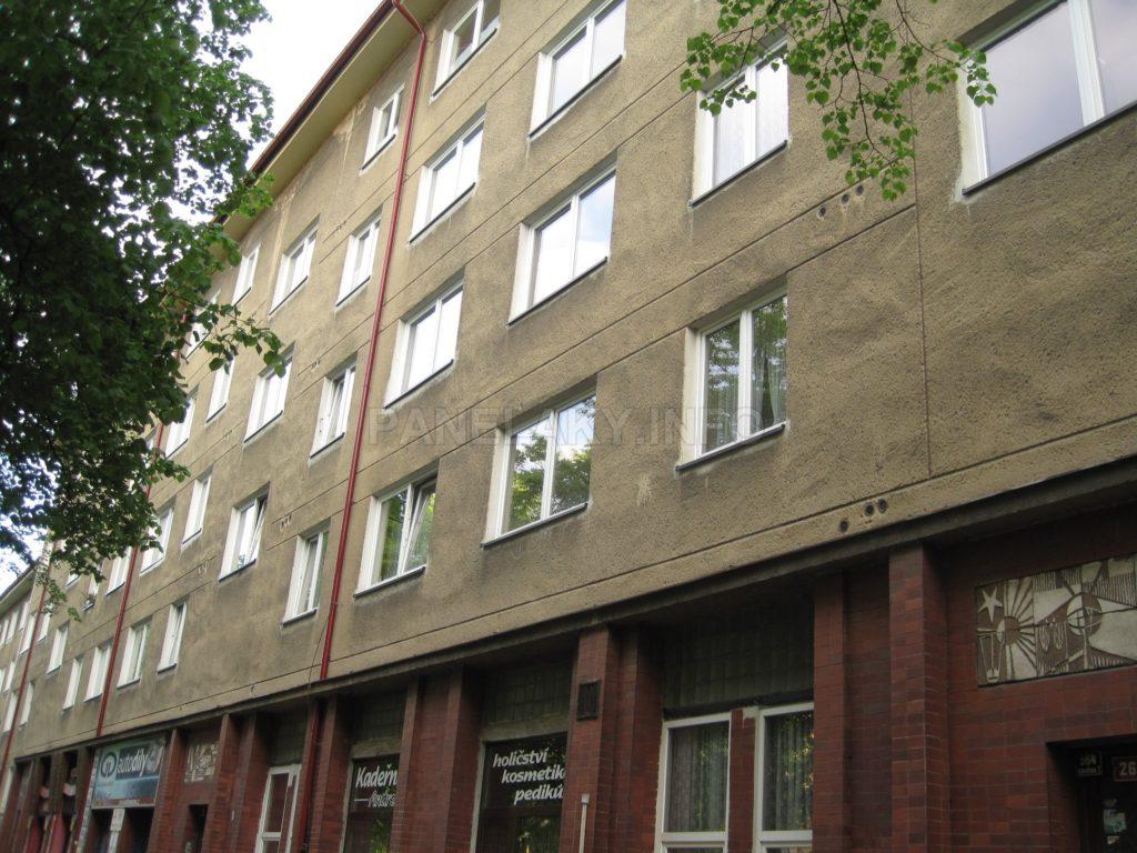 Bytová část je členěná drážkami