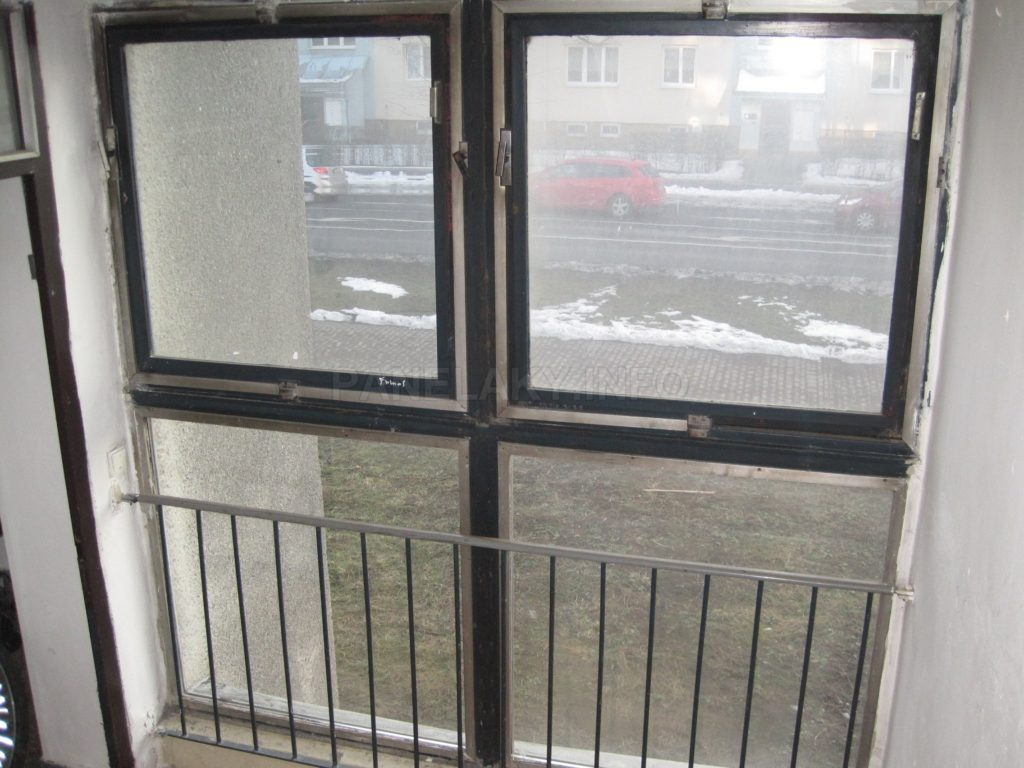 Chodební okno na schodišti